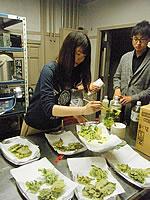 学生も料理に貢献